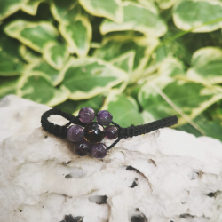 Amethyst macrame bracelet